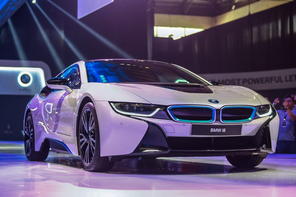 The all-new BMW i8 (3)_edited_edited