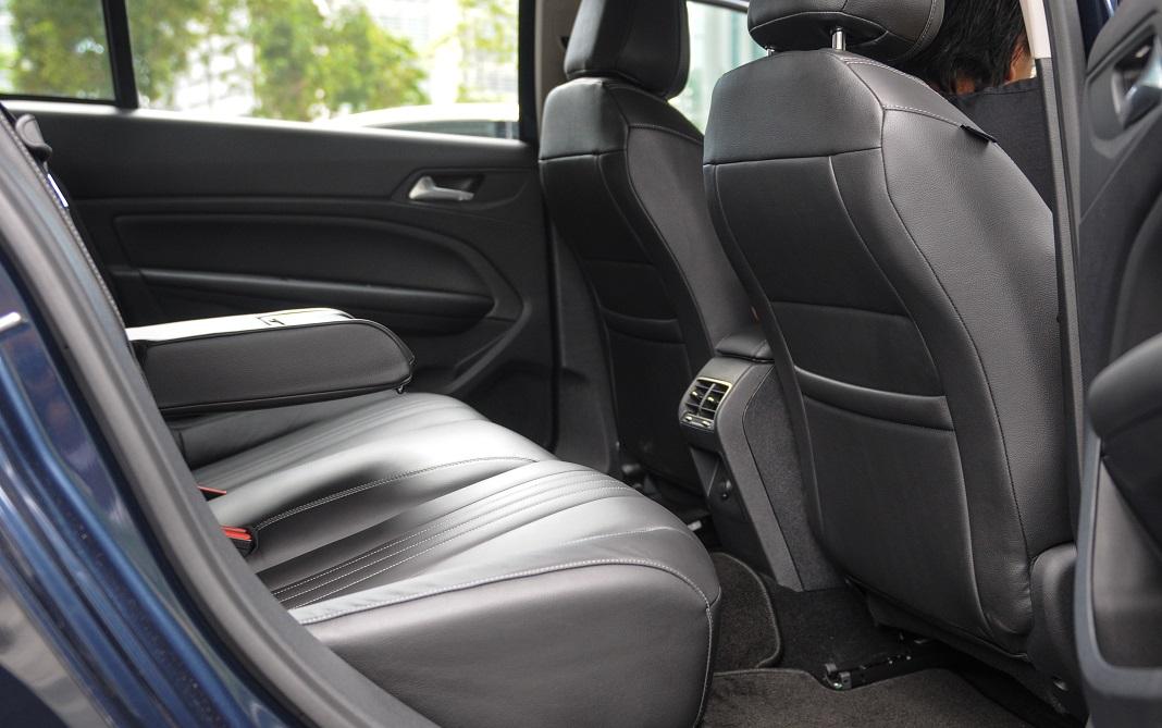 408_rear_seat