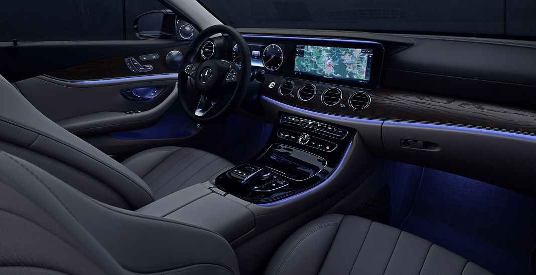 Mercedes-Benz E-Class, Interior with ambience lightning;