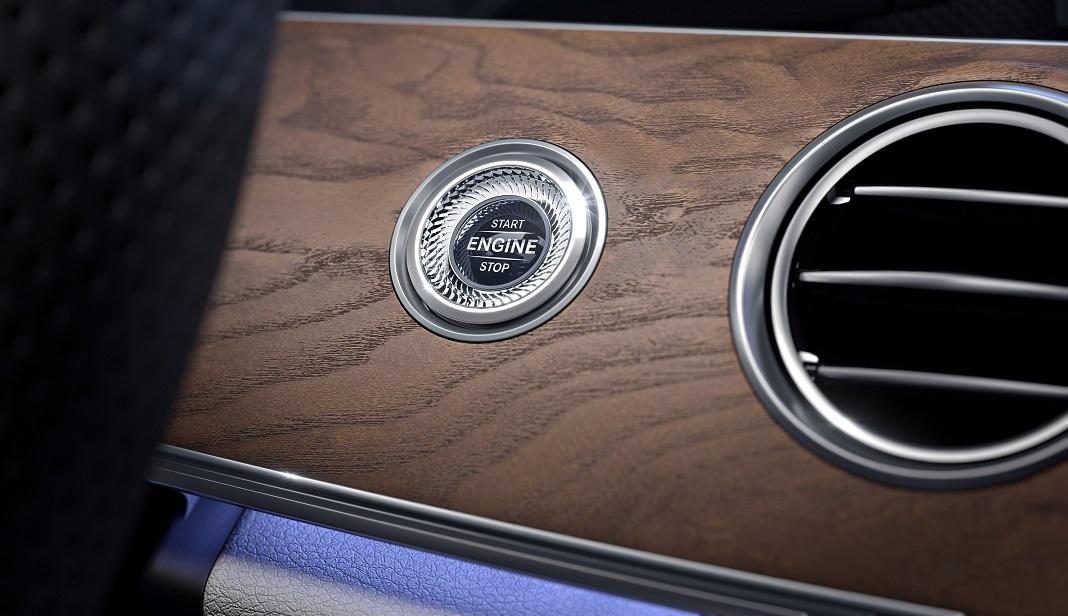 Mercedes-Benz E-Class, KEYLESS-GO Paket ; Mercedes-Benz E-Klasse, KEYLESS-GO package;