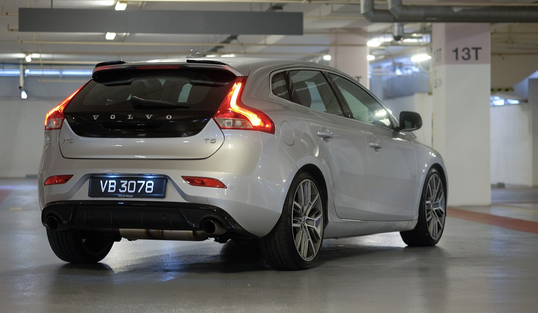 The V40 Hatch Is A Peter Horbury Design Good Looks Made Sexier With Polestar Additions: Volvo V40 Exhaust At Woreks.co