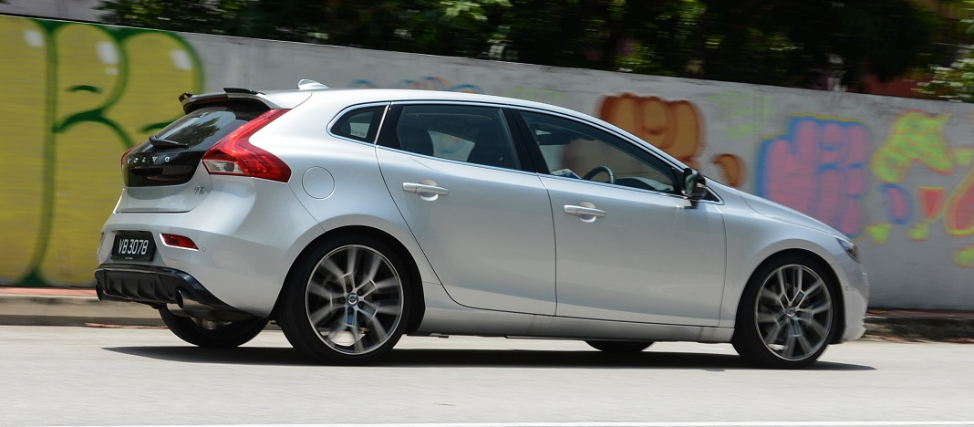 volvo v40 t5 polestar more than a regular latte. Black Bedroom Furniture Sets. Home Design Ideas